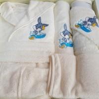 Set de baie cu halat si prosoape pentru copii 0- 2 ani Bugs Bunny Alb
